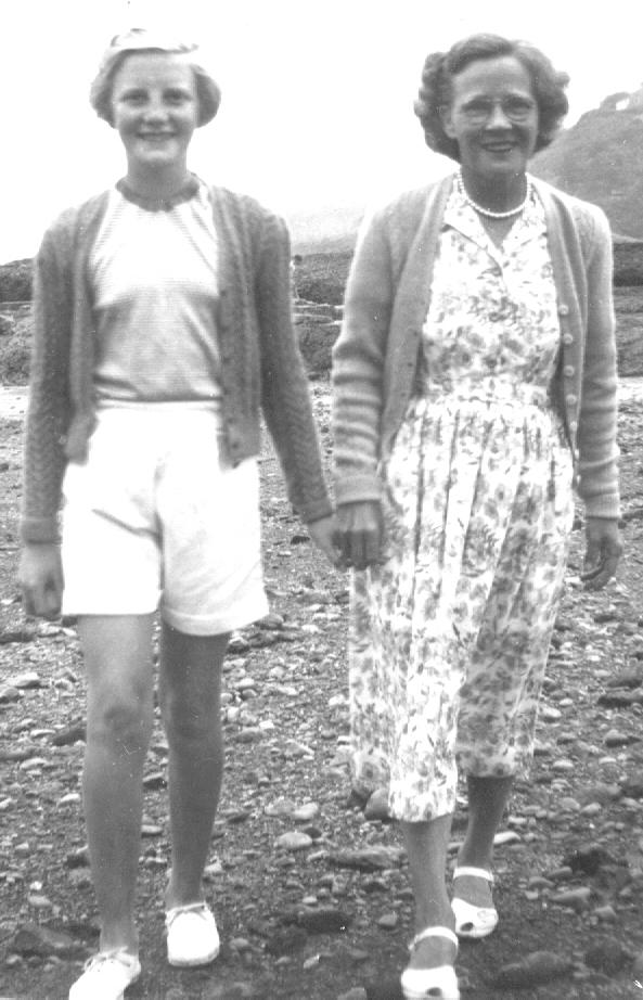 Anne Abbott and niece Norma, 1955