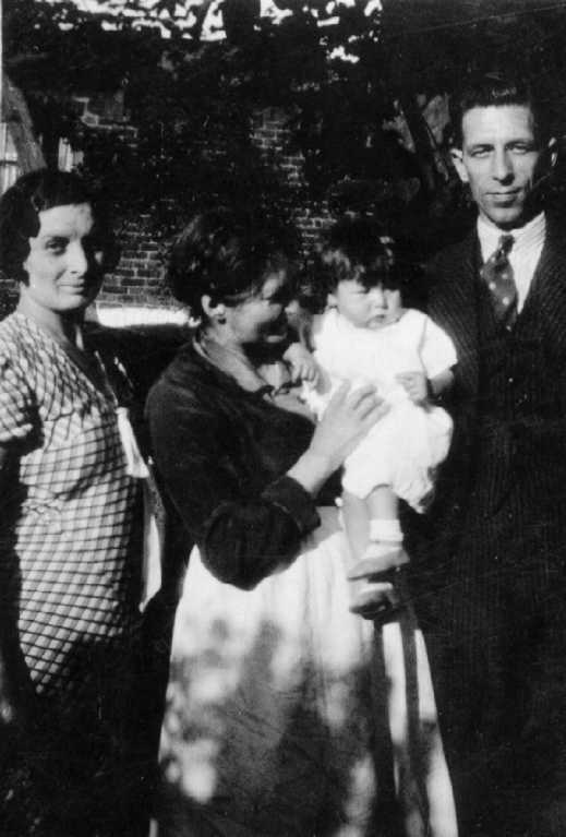 Nellie with niece Evelyn and proud parents May and Bill Taylor